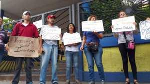 Pacientes renales de Lara protestan frente a la Dirección Regional de Salud #13Ago