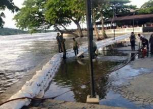El Río Orinoco está a punto de desbordarse en el Mirador Angostura (FOTOS)