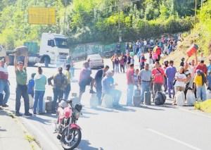 Cierran vía de El Tambor por irregularidades en venta de gas doméstico
