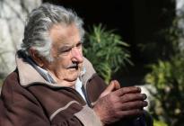 """Pepe"" Mujica abandona Senado uruguayo para descansar tras su largo viaje"
