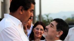 ¿Cuándo das más pena que Maradona?… Salt Bae borró el post de Maduro pero dejó el de Diego