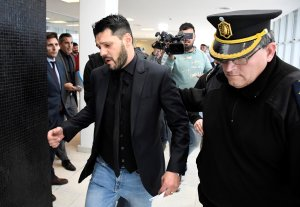 Hermano de Messi condenado a prisión por portación ilegal de arma