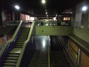 Metro de Caracas deja de prestar servicio por nuevo apagón #25Mar