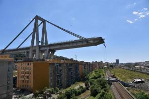 Italia destinará 5 millones de euros para solventar urgencias tras derrumbe del puente Morandi