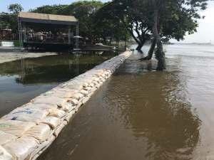 El río Orinoco a punto de desbordarse: Miles de familias claman ayuda