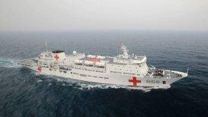 Gobierno lleva un mes anunciando llegada de buque hospital chino, apenas va por el Golfo de México