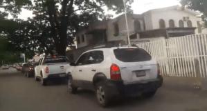 Largas colas para echar gasolina en Carabobo #17Ago (videos)