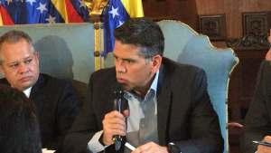 No hay medidas económicas sino un desastre económico contra los venezolanos, asegura diputado Guzmán