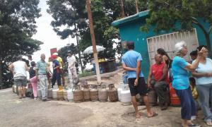 Manifestantes amenazan con cerrar la carretera Panamericana por falta de gas #14Ago