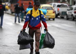 AN: Venezolanos huyen en estampida del país para no morir de hambre