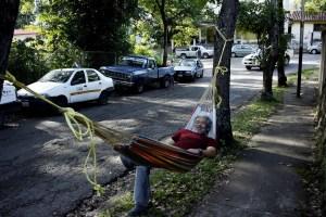 El calvario de los venezolanos para conseguir gasolina en la frontera con Colombia (Fotos)