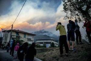 Incendio en la Toscana italiana obliga a desalojar varios pueblos (Fotos)
