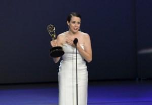 Claire Foy y Matthew Ryhs, mejores actores de drama en los Emmy