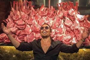 Salt Bae, el excéntrico chef turco responsable del festín cárnico de Maduro