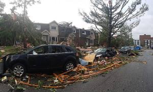 Furioso tornado deja muy afectada la región capital de Canadá (Video y Fotos)