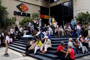 Venezolanos y el nuevo salario mínimo: Esta quincena tampoco alcanza para comer