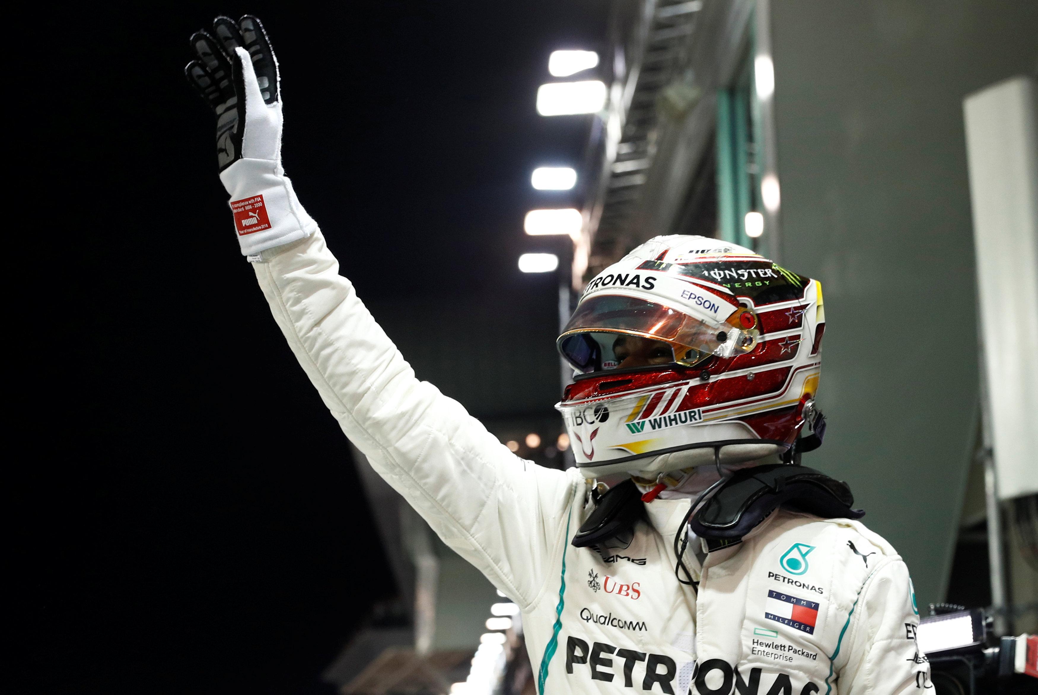 Circuito F1 Singapur : Hamilton voló con su mercedes y saldrá desde la pole en singapur