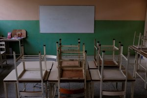 Crisis venezolana deja escuelas casi desiertas al inicio del año escolar (Fotos)