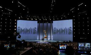 El Emmy arranca con condimentos de política y diversidad