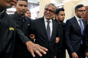 Ex primer ministro malasio Najib Razak detenido por corrupción