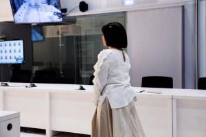 La exenfermera de Hugo Chávez se viste de Menina ante la Audiencia Nacional de España