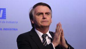 Bolsonaro sale de cuidados semiintensivos, a 15 días de la elección