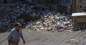 Consejo Comunal El Cerrito:  En Petare ni agua, ni luz, ni gas; solo abunda la basura (Fotos)