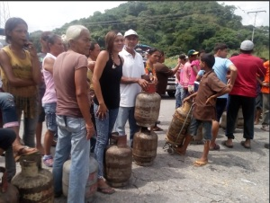 Vecinos de Carlos Arvelo en Carabobo tienen 48 horas sin agua y 25 días sin gas