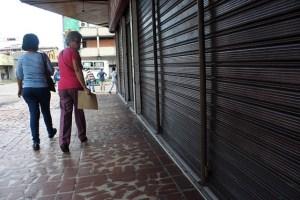 Tachirenses viajan a Colombia para comprar uniformes escolares