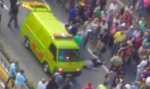 Abuela fue atropellada durante protesta de pensionados en la Francisco de Miranda #1Sep