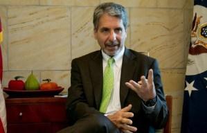 Colombia cuenta con EEUU en caso de agresión desde Venezuela, asegura embajador Kevin Whitaker