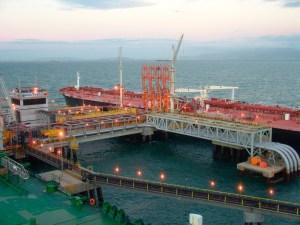 Las ventas de crudo venezolano a EEUU cayeron en agosto por interrupciones en el terminal Jose