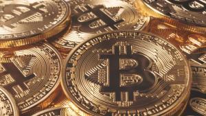 Precio del Bitcoin registra su nivel más bajo del 2018