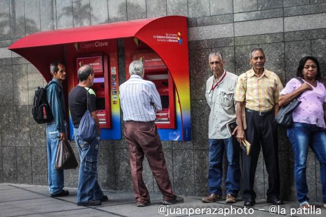 Banca asfixiada por la falta de liquidez