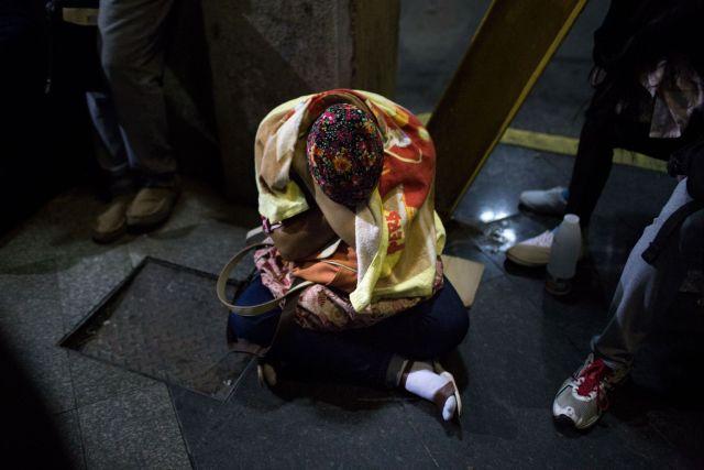 En la cola fuera de la agencia gubernamental conocida como Saime, en el centro de Caracas. Fotógrafo: Manaure Quintero / Bloomberg
