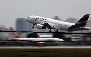 La aviación se democratizó y es asequible para más personas, dice presidente de Latam Airlines
