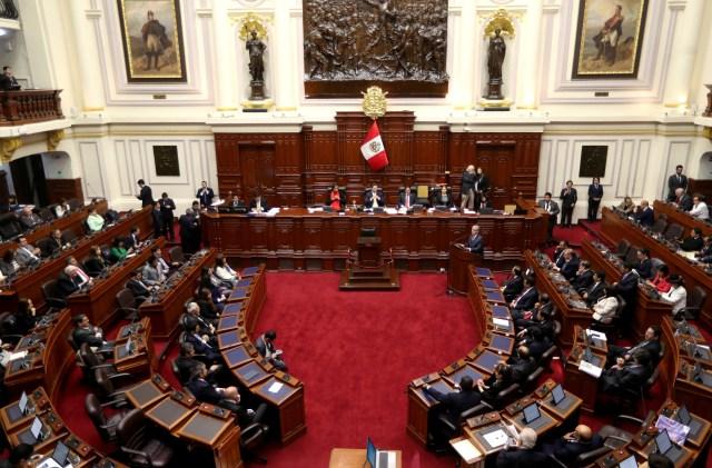 Perú hará referéndum de reforma constitucional pese a intentos para anularlo