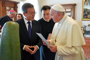 El Papa dispuesto a visitar Corea del Norte si recibe una invitación formal