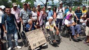 Pensionados protestan en Machiques exigiendo el pago en efectivo #3Oct