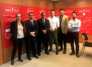Concejal Charly Aponte afianza lazos con el gobierno de España