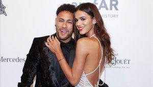 Neymar y la actriz Bruna Marquezine terminan otra vez su noviazgo