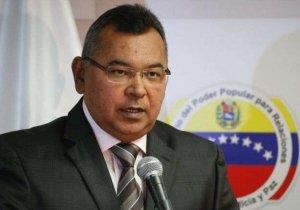 Ministro Reverol insta a tomar previsiones ante fuertes lluvias en el país