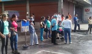 Pacientes renales trancaron calle en Lara por fallas en tratamiento #25Oct