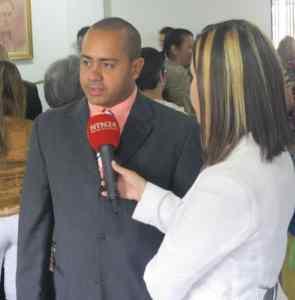 Tirso Flores: El alcalde de Los Salias aseguró que la gobernación de Miranda donará tuberías para reparación de la Av. Perimetral