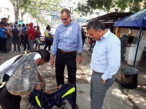 Funcionario del Departamento de Estado de EEUU visitó a migrantes venezolanos en Cúcuta (fotos)
