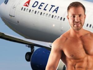¡OMG! Encontraron a este actor porno teniendo sexo en un avión