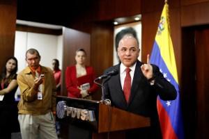 Barajita repetida… Quevedo dice que explosión de Petro San Félix fue un acto terrorista de EEUU