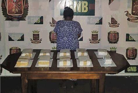 Capturan a una colombiana con 10 panelas de marihuana en Zulia