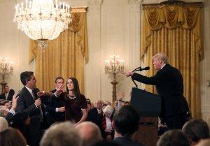 Fox News apoya la batalla legal de CNN contra la Casa Blanca