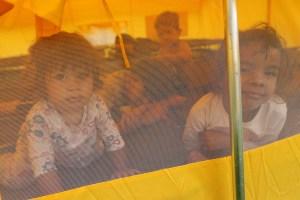 El traslado de venezolanos a nuevo albergue en Bogotá, en medio de contrastes (fotos)